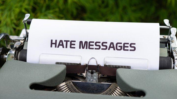Naviguer contre le harcèlement en ligne : comment prendre le contrôle ?